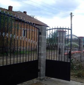 метални врати от ковано желязо