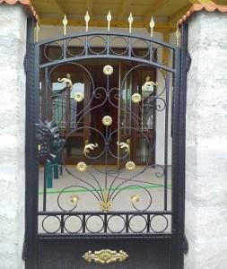 входни врати от ковано желязо