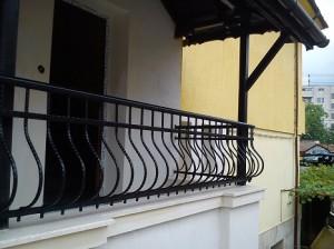 metalni parapeti za balkoni ot kovano jeliazo