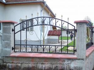 Градински огради, врати