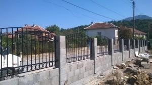 Враца метална ограда