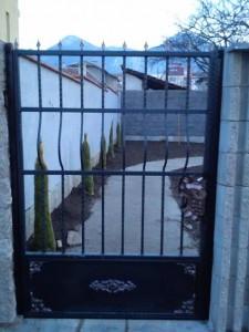 градинска врата от метал