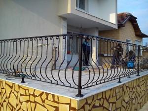 огради на къщи от ковано желязо