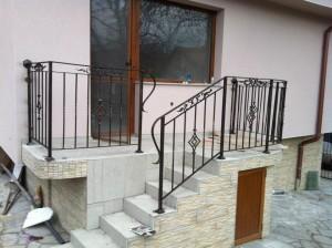 парапети за външни стълби